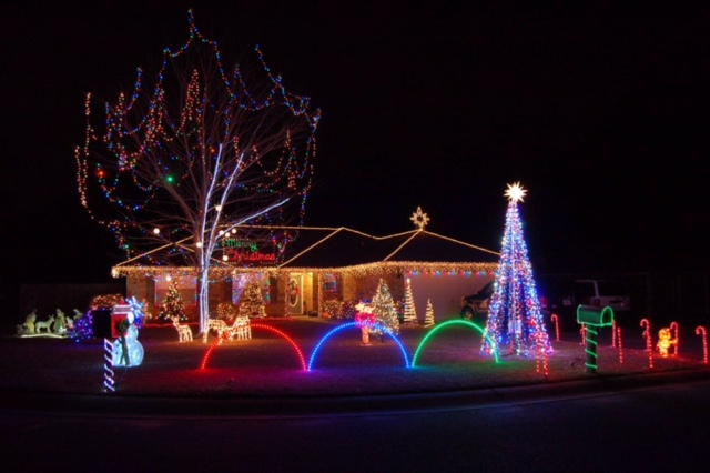 Christmas Lights in Cat Country - Cat Country 98.7